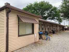 Motel & Laundromat For Sale in Grant County, OK