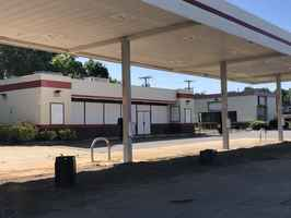 5 Convenience-Store Package for Sale or Lease