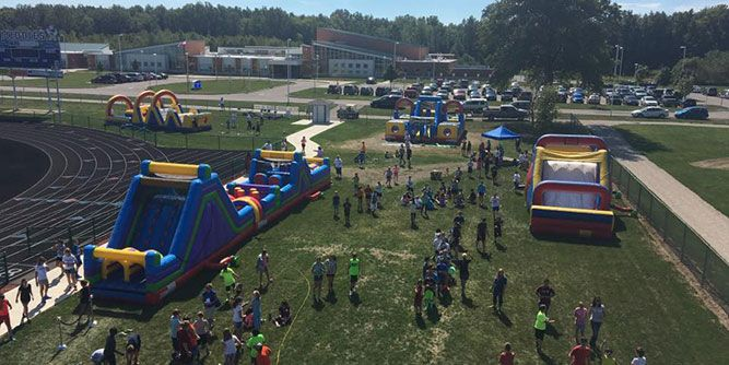Franchises Under $5000 >> Spacewalk Inflatable Fun-Party Business | FranchiseOpportunities.com