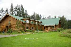 Alaska Custom Log Lodge on 57 Ac in Glacier Bay