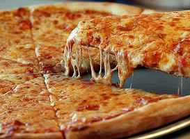 Pizza Franchise Great Location & Low Rent Can Conv