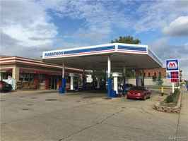 Remodeled gas station on busy road & good sales