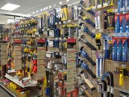 Thriving Small-Midsize Hardware/Lumber Yard