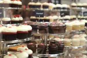High-End Cupcake and Specialty Desserts