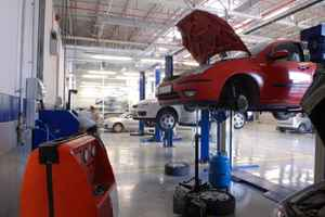 Auto Repair & Sales Beach Blvd 3 Lifts 25 Car Pkg