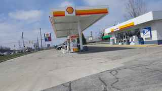 Shell gas with great location