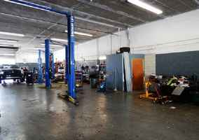 Fully equipped independent auto repair shop