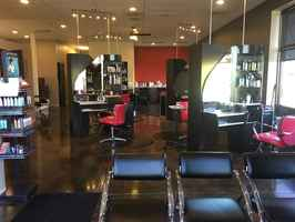 Busy / Turnkey Salon in West Omaha