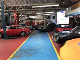 Auto Center - Great Location & Low Rent