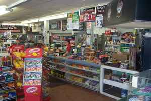 Convenience-Store with gas on busy road