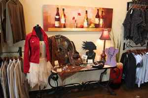 Unique Boutique that sells fashions, jewelry, gift