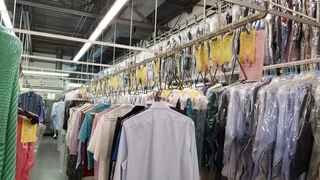Large sales dry cleaner & drop-off store