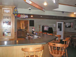 upper-peninsula-bar-tavern-michigan