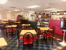 restaurant-with-real-estate-on-busy-thoroughfare-florida