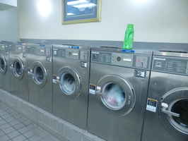 Busy Full Service Laundry Nets $149K/Yr