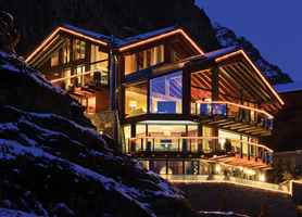 4-star-hotels-located-in-the-famous-alps-of-swiss-switzerland