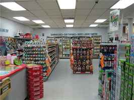 Food Mart/Conveninece-Store for Lease