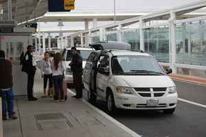 airport-shuttle-service-california