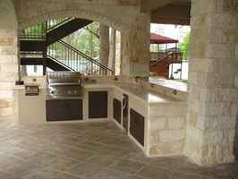 Outdoor kitchen/fireplace retailer/designer/instal