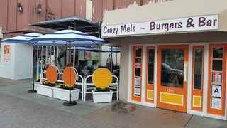 crazy-mels-gourmet-burgers-palm-springs-california