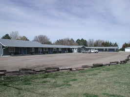 motel-near-east-river-south-dakota