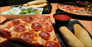 Pizza/Italian Restaurant - Catering Can Be Added