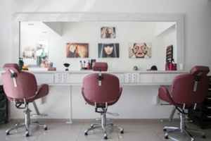 Early Christmas for buyer of this Turnkey Salon