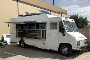 custom-food-truck-builder-with-contracts-california