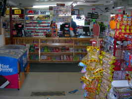 convenience-store-near-lake-michigan-ludington-michigan