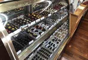 custom-retail-chocolate-business-california