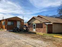 Small Cafe with Home For Sale in Marietta, OK