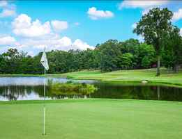 Country Club Golf Course For Sale in Glenwood, AR