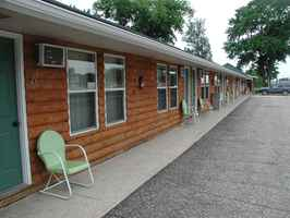 Popular Motel For Sale in Dickinson County, IA
