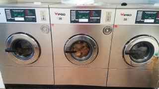 Mid-size Laundromat in Middlesex County  - 32136