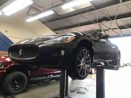 auto-mechanic-in-scv-valencia-california