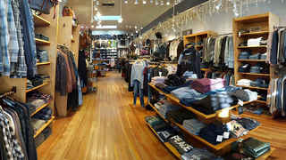 Final Reduction-Upscale Clothing Store $199K