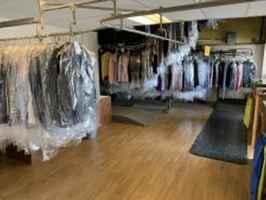 Full Service Dry Cleaner
