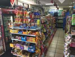 Highly Profitable Convenience Store - 32502