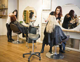 Well-Known & Highly Rated Hair Salon!