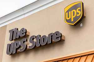 2-ups-stores-long-island-new-york