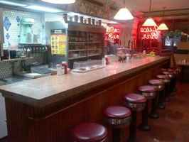 Classic Vintage Diner For Sale in New York-32333
