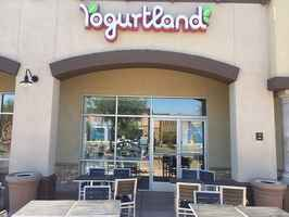 yogurtland-busy-location-la-quinta-california
