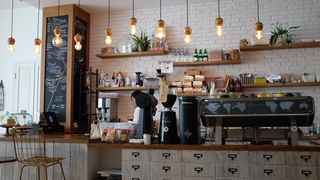 Established Coffee House and Cafe! Near University