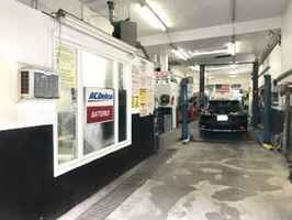 3 Bay Auto Repair in High Traffic NY Area-31985