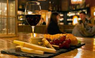 cheese-meat-wine-craft-beer-cafe-new-york