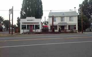 restaurant-and-bar-9-bed-real-estate-included-canby-california