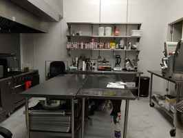 Fully Equipped Industrial Kitchen- Great location!