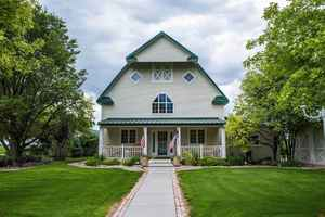 Scotts Bluff, NE Turnkey Bed & Breakfast For Sale