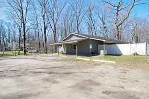 Augusta, MI Boarding Kennel & Pet Shelter For Sale