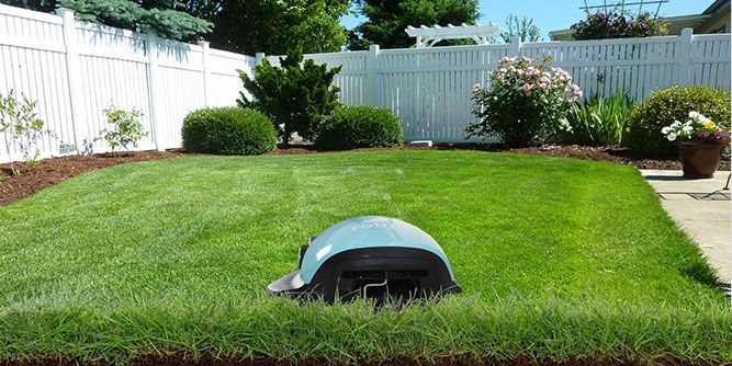 Robin Autopilot - Robotic Lawn Care